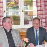 Regionsgeschäftsführer Christian Dietl und MdB Reiner Meier, v. links